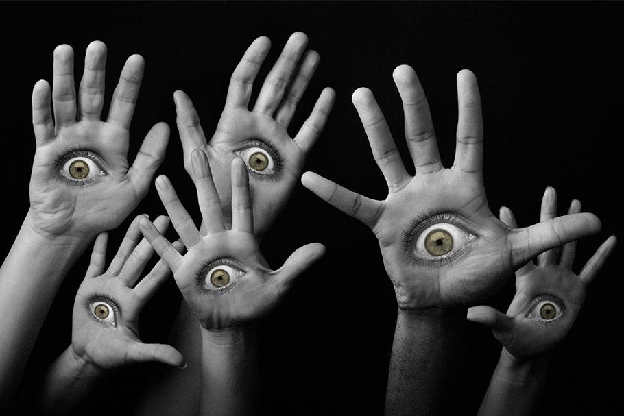eyes in hand design